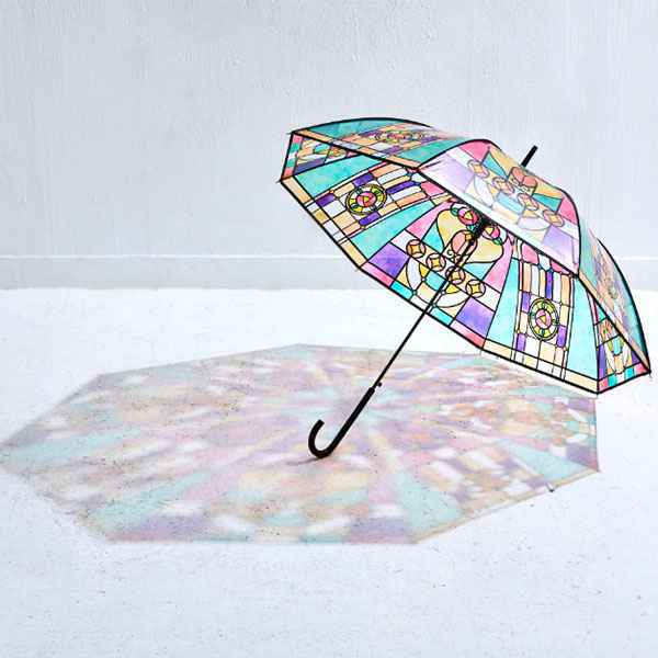 広げればあこがれの世界? 大正ロマンなステンドグラスの傘